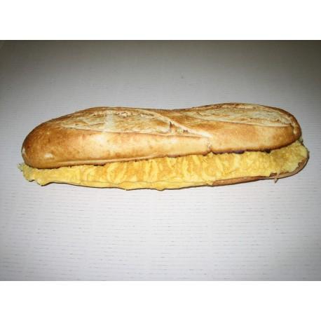 Bocadillo baguette tortilla francesa