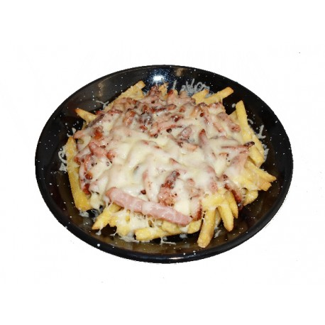 Sartén de patatas con beicon y queso
